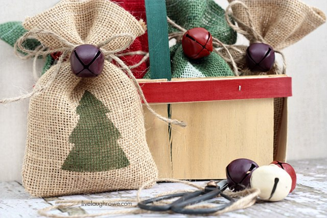 Сшить новогодние мешки для подарков своими руками